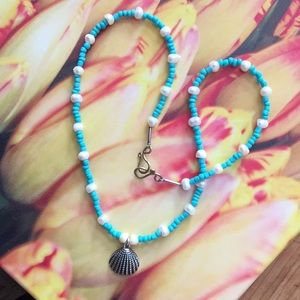 Turquoise colored necklace- fashion jewlelry